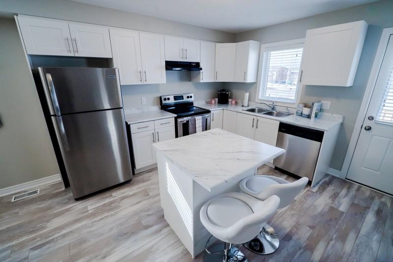 Smart Towns White Kitchen